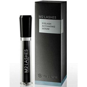 das M2 Beauté Eyelash Activating Serum im Zuge des Produkttests